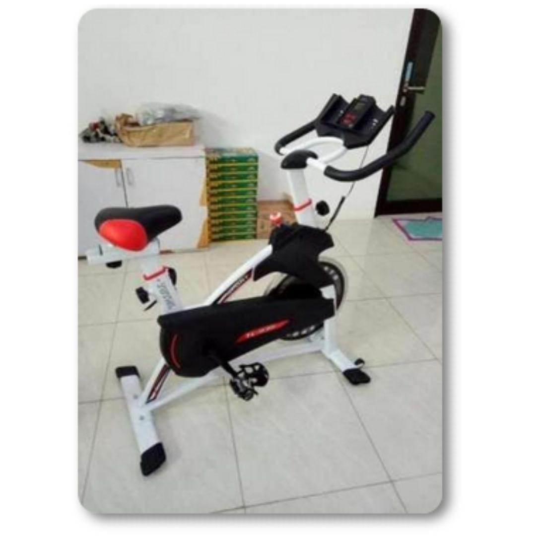 Total Fitness Spinning Bike Tl 930 Sepeda Statis Tl8555 Olahraga Terbaik Olah Raga Di Carousell