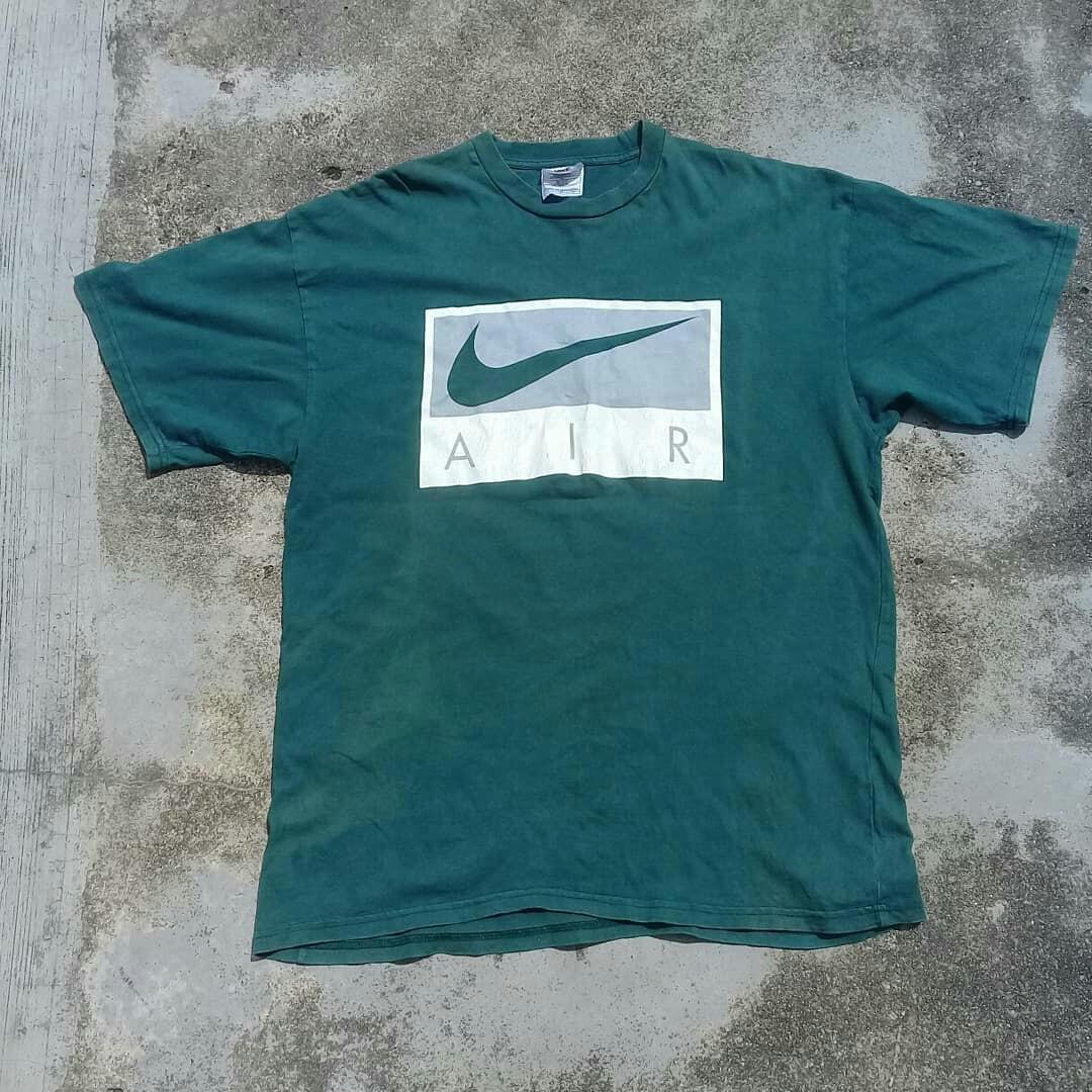 3b2a21cc0 Vintage 90's Nike Air Big Logo tahirt, Men's Fashion, Clothes on Carousell
