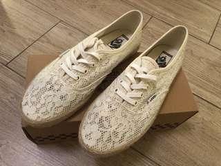 Vans causal shoes