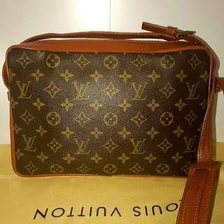 Authentic Vintage Louis Vuitton Bag Sac Bandolier 30