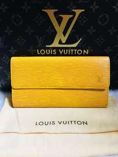 Authentic Vintage Louis Vuitton Epi Long Bifold Sarah Wallet