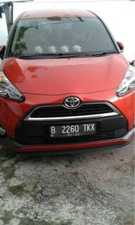 TOYOTA Sienta type v (over kredit) thn 2016 akhir