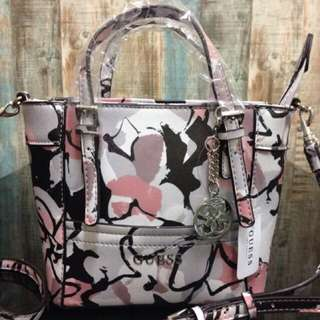 GUESS FLORAL TOTE BAG 💯 ORIGINAL FROM GUESS FACTORY