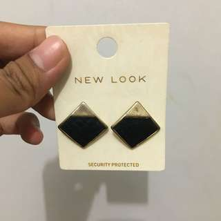 Black Edgy Earing