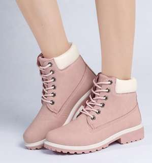 Ladies Winter Boots/ Pink/ Fur lining