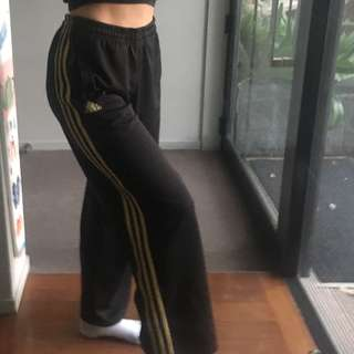 Adidas gold stripe trackpants size M
