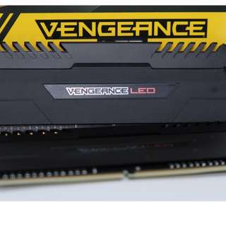 AMD-Ryzen專用記憶體海盜船紅LEDDDR43000CL15 2x8GB