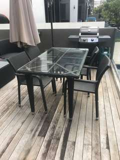 outdoor dinning table at a bargain price