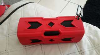 NEW RED BLUETOOTH HIGH QUALITY SPEAKERS