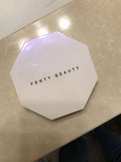 Fenty Beauty -Killawatt Freestyle Highlighter