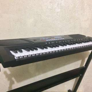 Piano Keyboard + stand (not separable)