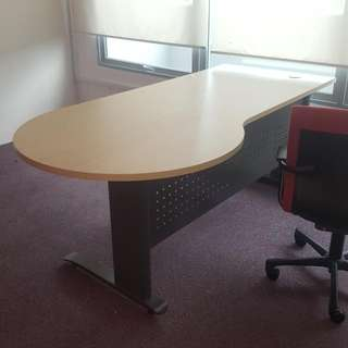 Designer Table 6ft Length Only $80 ..call Today 90899511 . 94454353 Self Collect At Ubi Ave 1 On 9th 10th 11th May. Like New