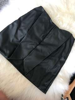 Size 6 faux leather mini skirt