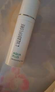 L'herboflore Aqua Plus Mosturizing Toner