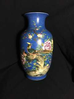 Qing dynasty Yong Zhen Mark Famille rose birds flowers n rock vase 33cm high . 大湇雍正年製琺瑯彩花鳥瓶