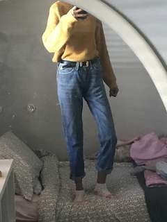 Genuine vintage straight cut Levi's mom jeans/boyfriend jeans