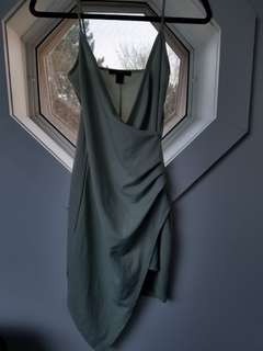 DRESS PASTEL GREEN SIZE M WILL FIT A SMALL