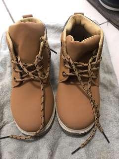 Sale! Unused boots php 200