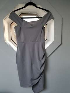 YAYA & CO DRESS OFF THE SHOULDERS SIZE MED WILL FIT A SMALL