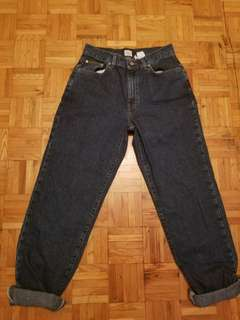 Vintage Calvin Klein Mom Jeans (size 6-8)