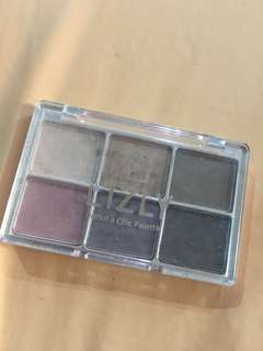 Lizly What A Chic Eyeshadow Palette