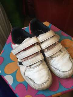 Adidas kids shoes (original)
