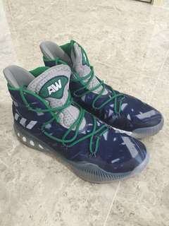Willing to trade/sell my Adidas Crazy Explosive 2016 Andrew Wiggins Edition