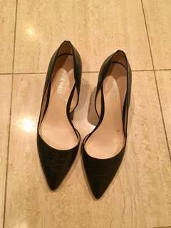 Nine West heels size 5