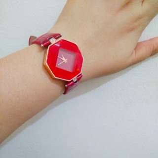 ⭐ Garnet Red Octagon Face Watch