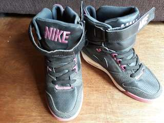 Nike wedge highcut sneakers