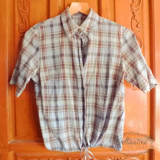 Plaid short-sleeve puff blouse with tie-waist detail