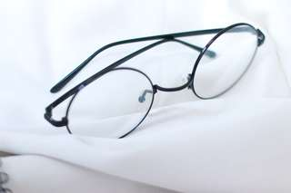 Oval Spectacles