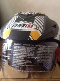 Dmn helmet