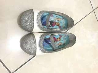 Sepatu frozen payless