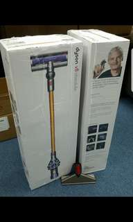 Dyson V8 Absolute with extra mattress tool or Extension tool with Stubborn Dirt Brush. (2 Heads 5 Tools)