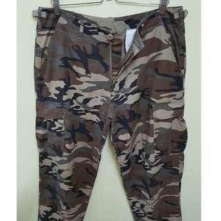 W34 Alpha Industries Camouflage Cargo Pants (Original)