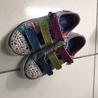 Girls sketchers shoes