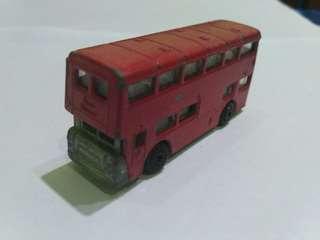 Mainan logam Bis London