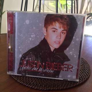 Justin Bieber Under The Mistletoe Album