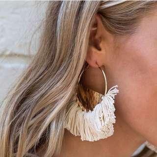Big hoop tassel earrings (white/cream)