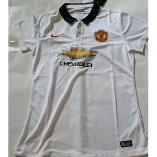 Cheap New Old Stock Manchester United Girl jersey size L p2p 47.5cm