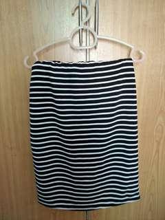 Black and white Elastic skirt