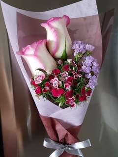 Small flower bouquets