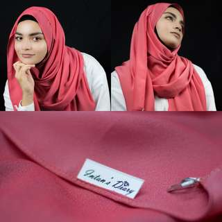 Willa Crepe Essential Shawl - Rouge Pink