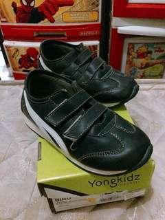 Sepatu yongki kids size 28