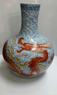 Old china vase with dragon design H38xW29xB13.5cm