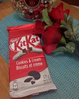 Kitkat Cookies & Cream 170g