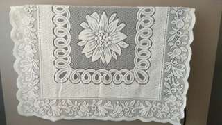 TV Cover (Thick Lace)
