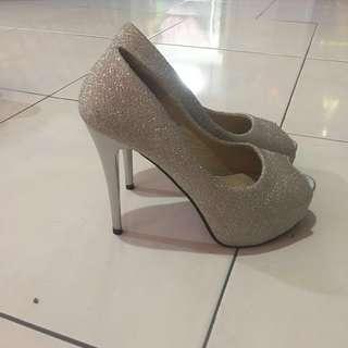 Wedding heels #rayaletgo