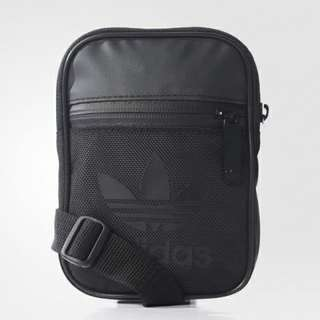 Adidas Originals Festival Bag Black sling bag (avail June 14)